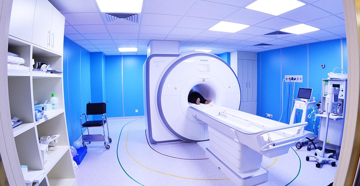 Rezonans magnetyczny - Zakład Diagnostyki Obrazowej
