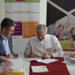 Podpisanie umów na projekty dotyczące wsparcia profilaktyki nowotworowej w regionie